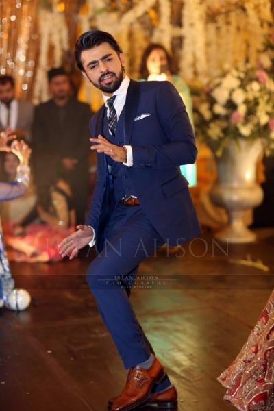 farhan-saeed-mehndi-dance Urwa Hocane Farhan Wedding Pics| Nikah Walima Dholki Barat