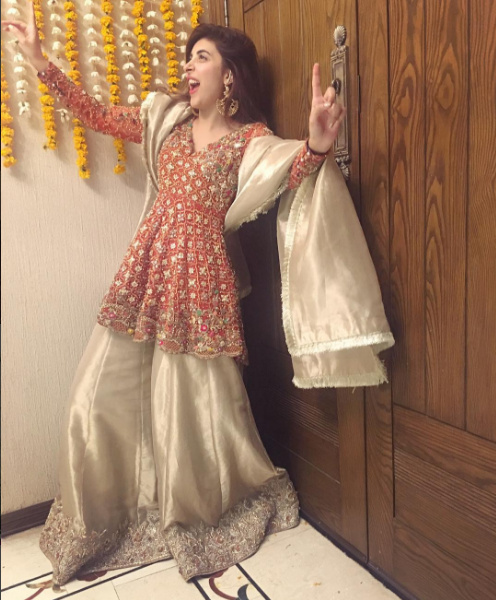 farhan-urwa-dholki-2 Urwa Hocane Farhan Wedding Pics| Nikah Walima Dholki Barat