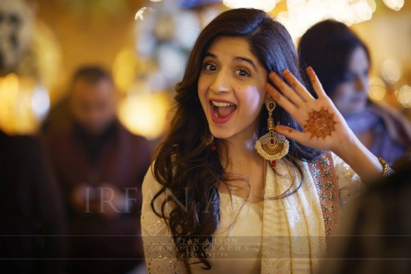 mawra-hocane-on-sisters-wedding Urwa Hocane Farhan Wedding Pics| Nikah Walima Dholki Barat