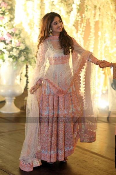 sajjal-ali-on-urwa-farhan-wedding Urwa Hocane Farhan Wedding Pics| Nikah Walima Dholki Barat