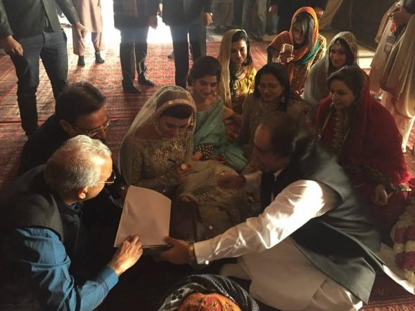 urwa-and-farhan-nikah-ceremony Urwa Hocane Farhan Wedding Pics| Nikah Walima Dholki Barat
