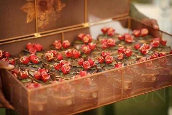 urwa-farhan-nikkah-bid-goodies-2 Urwa Hocane Farhan Wedding Pics| Nikah Walima Dholki Barat