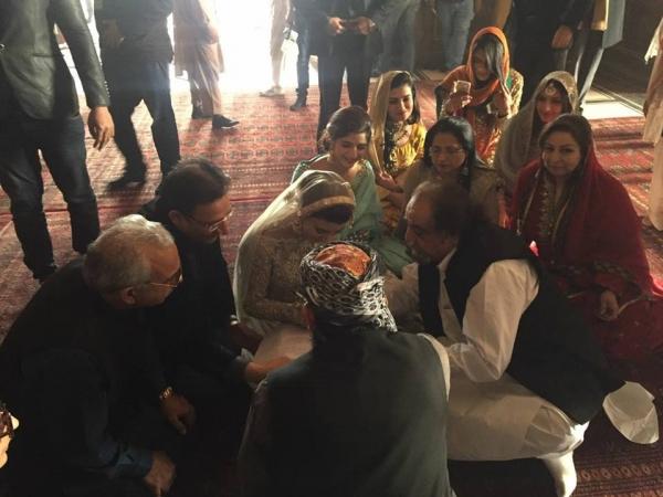 urwa-hocane-nikah Urwa Hocane Farhan Wedding Pics| Nikah Walima Dholki Barat
