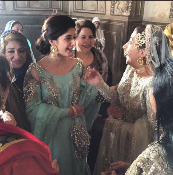 urwa-hocane-nikkah Urwa Hocane Farhan Wedding Pics| Nikah Walima Dholki Barat