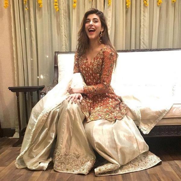 urwa-hocane-second-sholki-dress Urwa Hocane Farhan Wedding Pics| Nikah Walima Dholki Barat