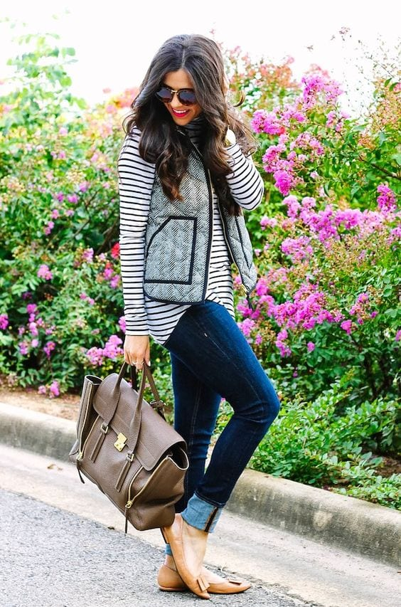 striped-shirt-outfit-for-school-college-girls-3 Outfits with Striped Shirts-10 Ways to Wear Striped Shirts