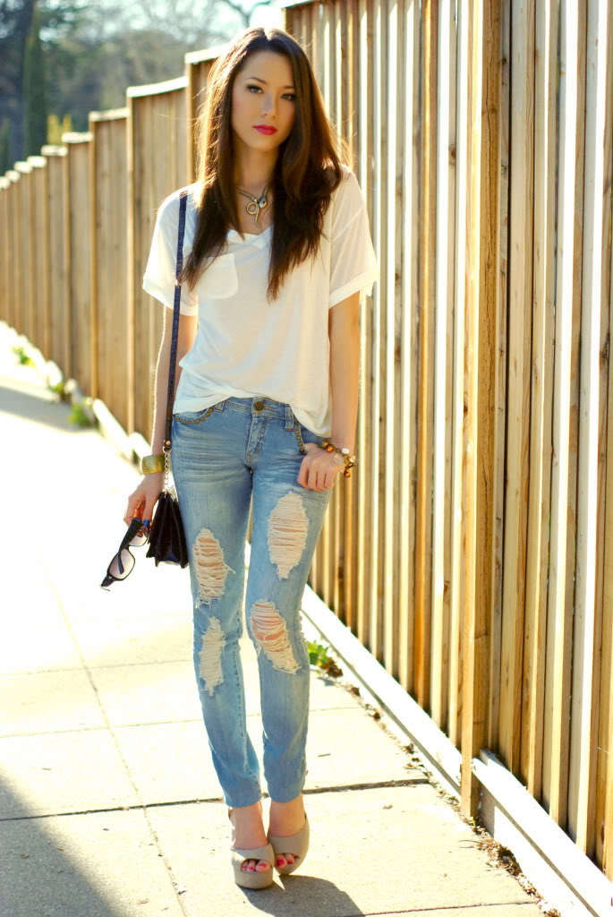 Classy-Ripped-Jeans-for-girls Outfits with Ripped Jeans-15 Ways to Wear Distressed Denims