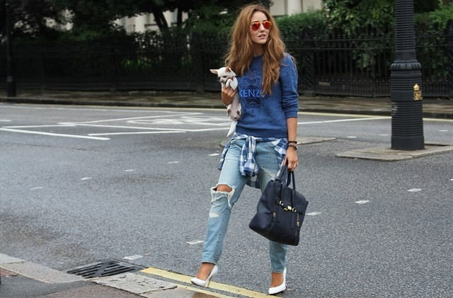 Cool-Distressed-Jeans-For-girls Outfits with Ripped Jeans-15 Ways to Wear Distressed Denims