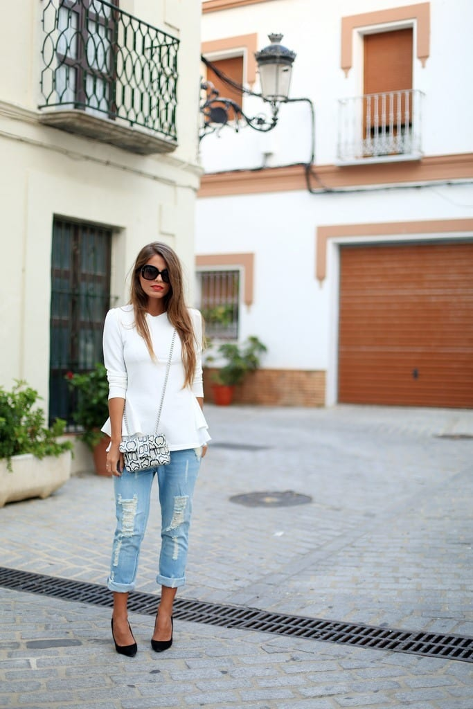 DIY-Ripped-Jeans Outfits with Ripped Jeans-15 Ways to Wear Distressed Denims