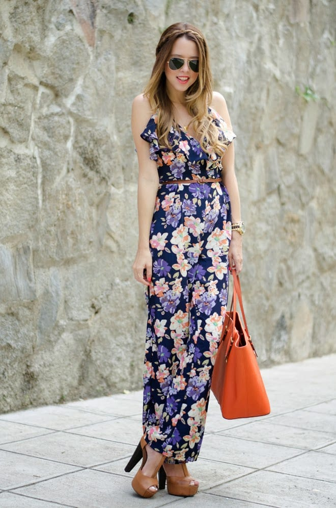 Floral-Print-Jumpsuits 16 Cute Jumpsuits Outfits - Ideas How to Wear Jumpsuits Rightly