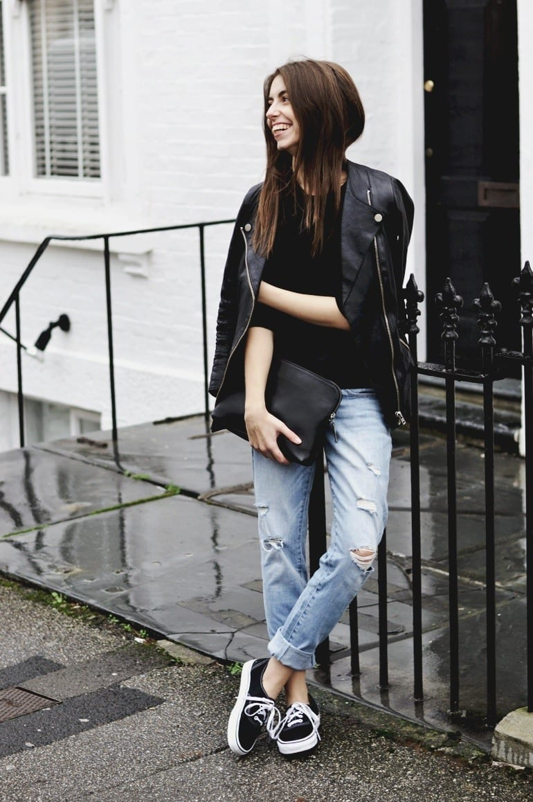 Latest-Distressed-Jeans-Fashion-Ideas-For-women- Outfits with Ripped Jeans-15 Ways to Wear Distressed Denims