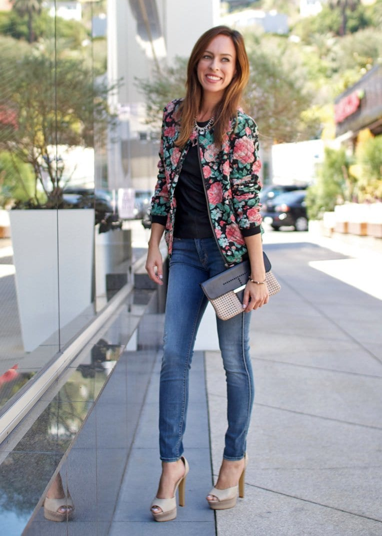 Street-Style-Floral-Print-Outfits 22 Cute Floral Print Outfits Combinations for Spring Season