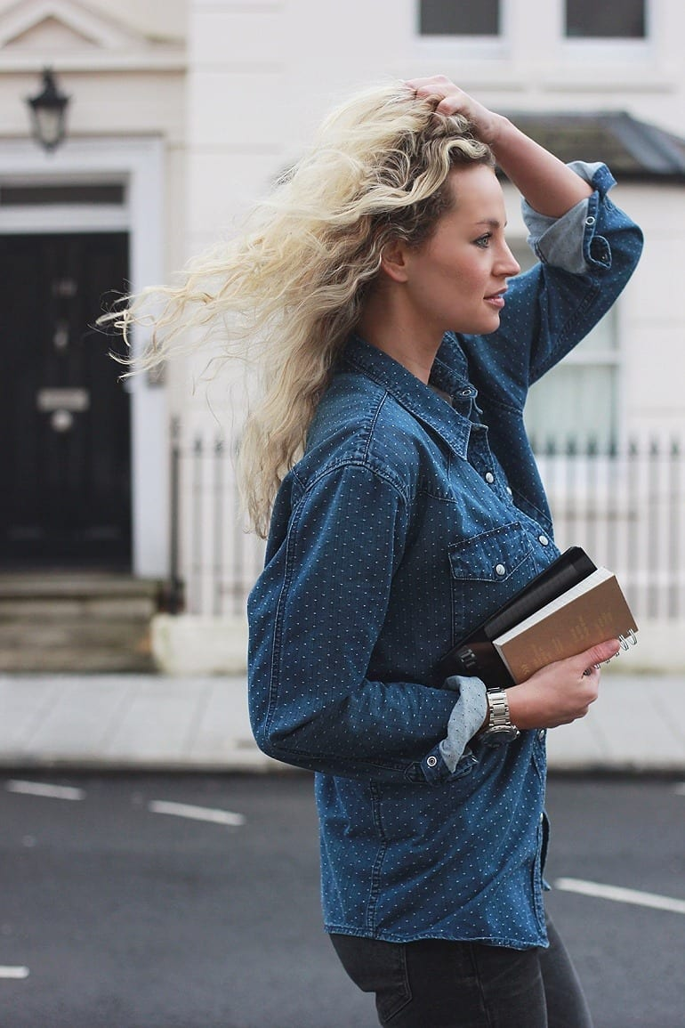 Stylish-Denim-jackets-for-women Outfits with Denim Jacket-20 Ideas How to Wear Denim Jackets