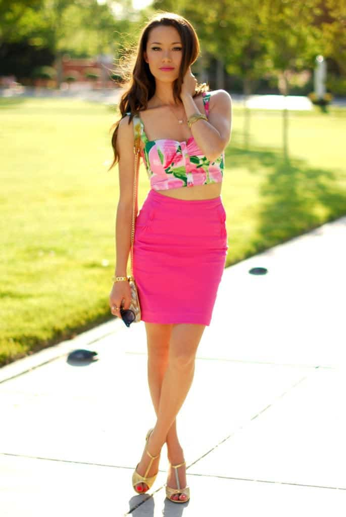 Stylish-Floral-Print-Bralets 22 Cute Floral Print Outfits Combinations for Spring Season