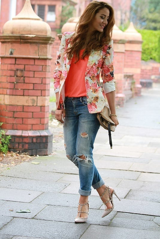 Stylish-Ripped-Jeans-for-women Outfits with Ripped Jeans-15 Ways to Wear Distressed Denims