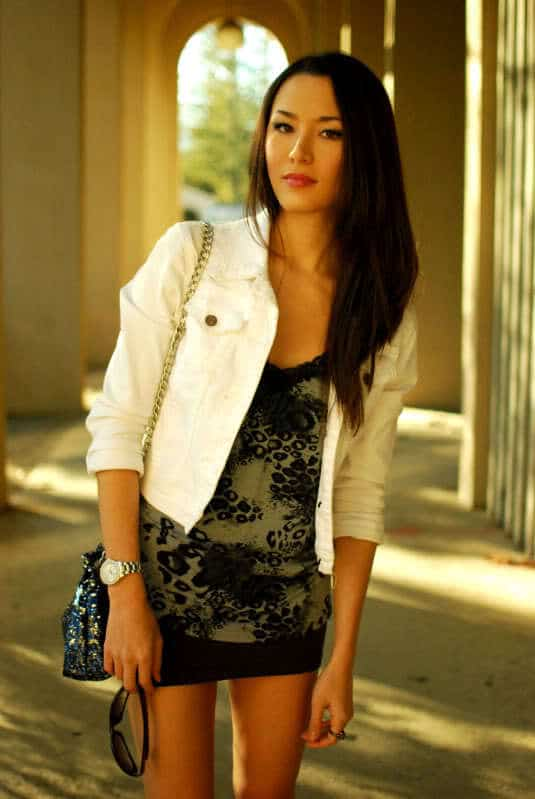 White-Denim-Jackets-for-girls Outfits with Denim Jacket-20 Ideas How to Wear Denim Jackets