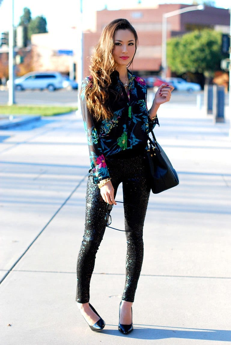 Women-Floral-Print-Tops-Fashion 22 Cute Floral Print Outfits Combinations for Spring Season