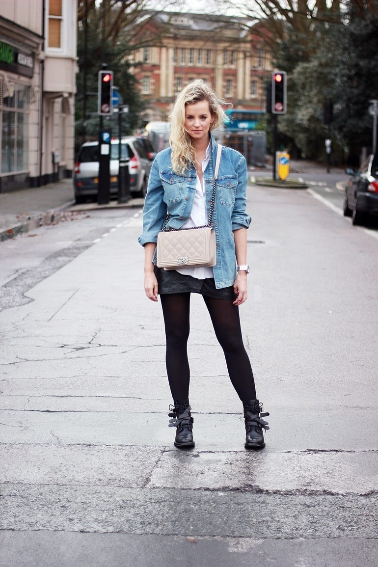 Women-Wrangler-Denim-Jackets Outfits with Denim Jacket-20 Ideas How to Wear Denim Jackets