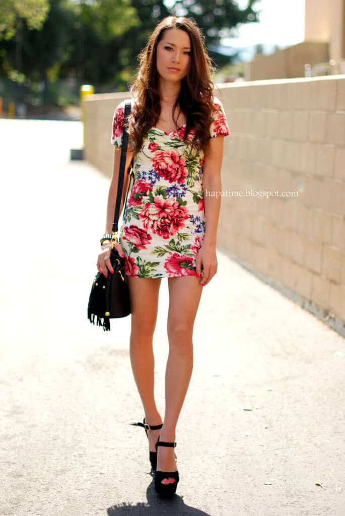 floral-print-summer-dresses-for-women 22 Cute Floral Print Outfits Combinations for Spring Season