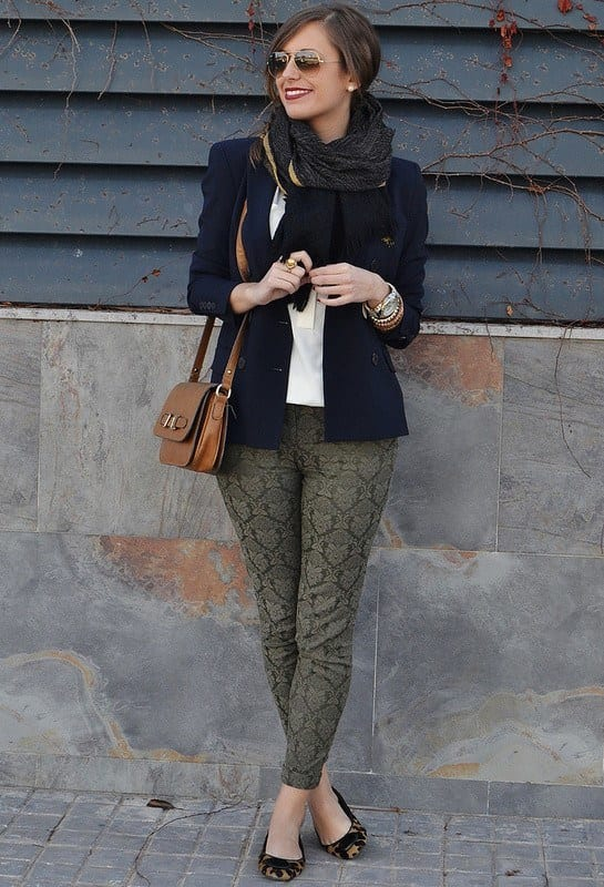 Cool-ladies-sacrves Outfits with Scarves-18 Chic Ways to Wear Scarves for Girls