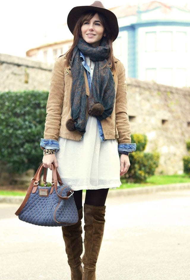 Stylish-printed-scarves-women- Outfits with Scarves-18 Chic Ways to Wear Scarves for Girls