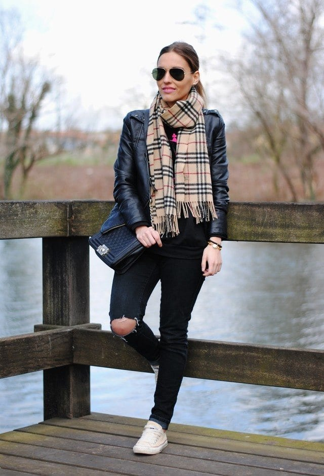 scarves-fashion-ideas-for-women Outfits with Scarves-18 Chic Ways to Wear Scarves for Girls