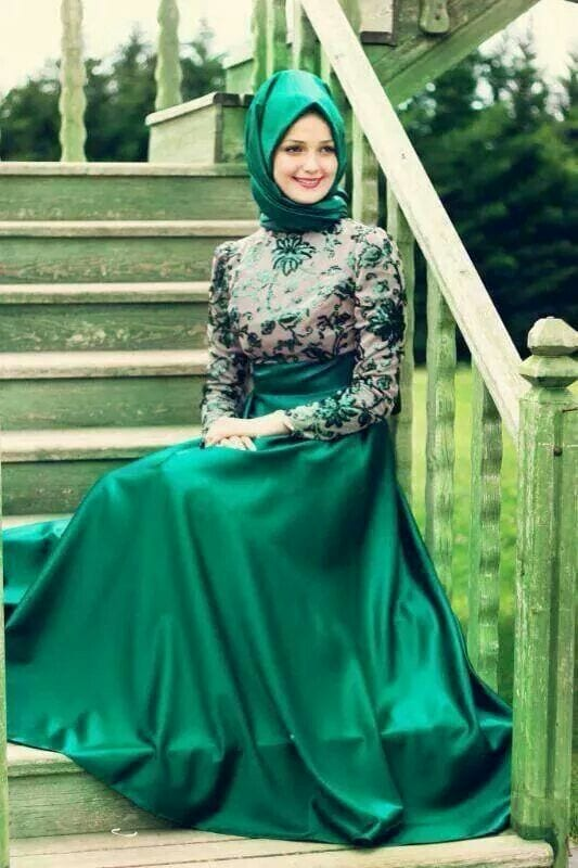Beautiful-dresses-with-hijab 30 Modern Ways to Wear Hijab - Hijab Fashion Ideas