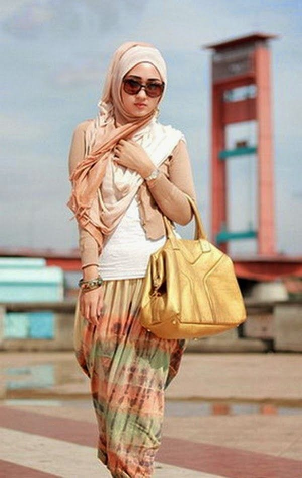 Dian-Pelangis-Hijab-Style 30 Modern Ways to Wear Hijab - Hijab Fashion Ideas