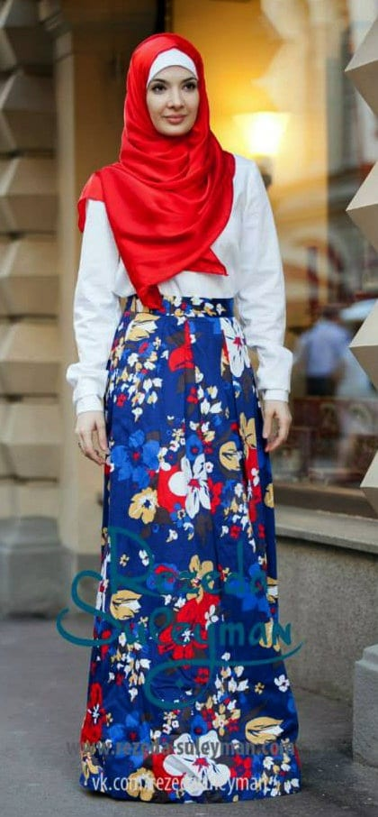 Hijab-with-floral-dresses 30 Modern Ways to Wear Hijab - Hijab Fashion Ideas