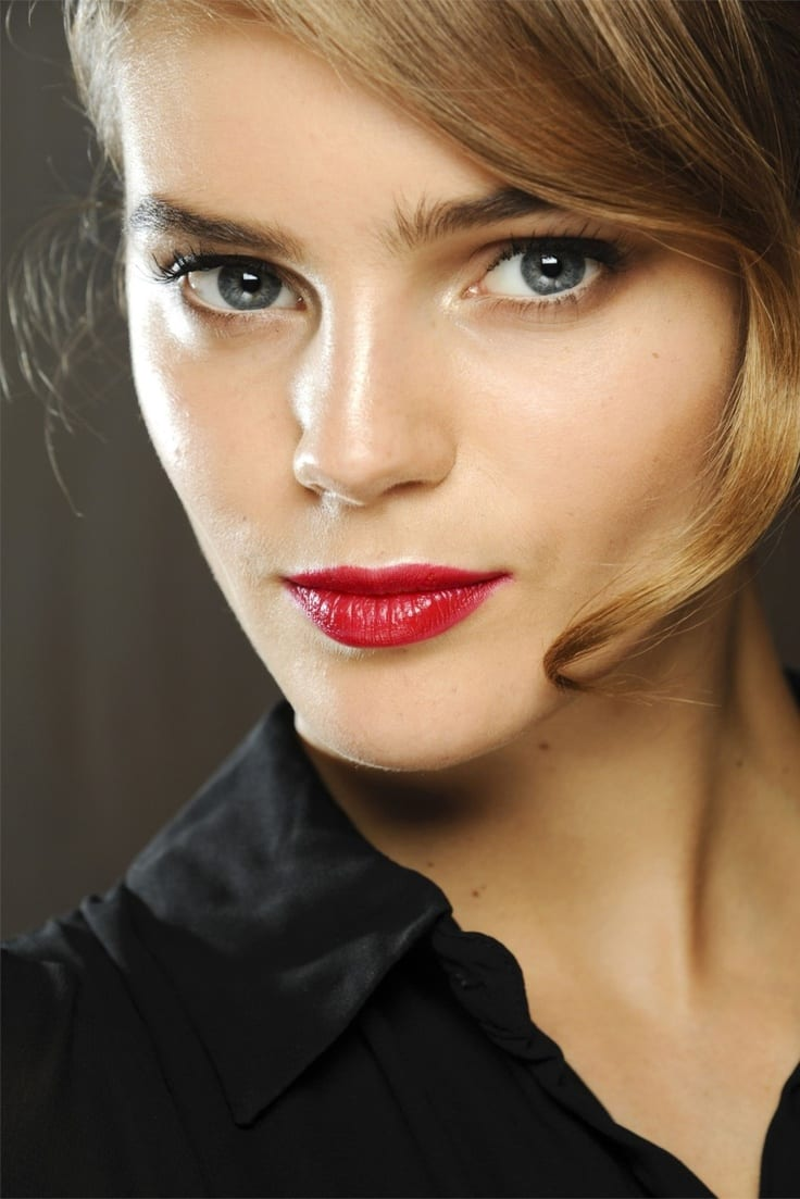 shiny red lipstick Trends and Ideas
