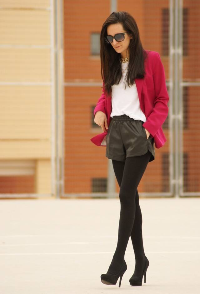 Leather-shorts-with-tights Cute Leather shorts outfits - 30 Ways to Wear Leather Shorts