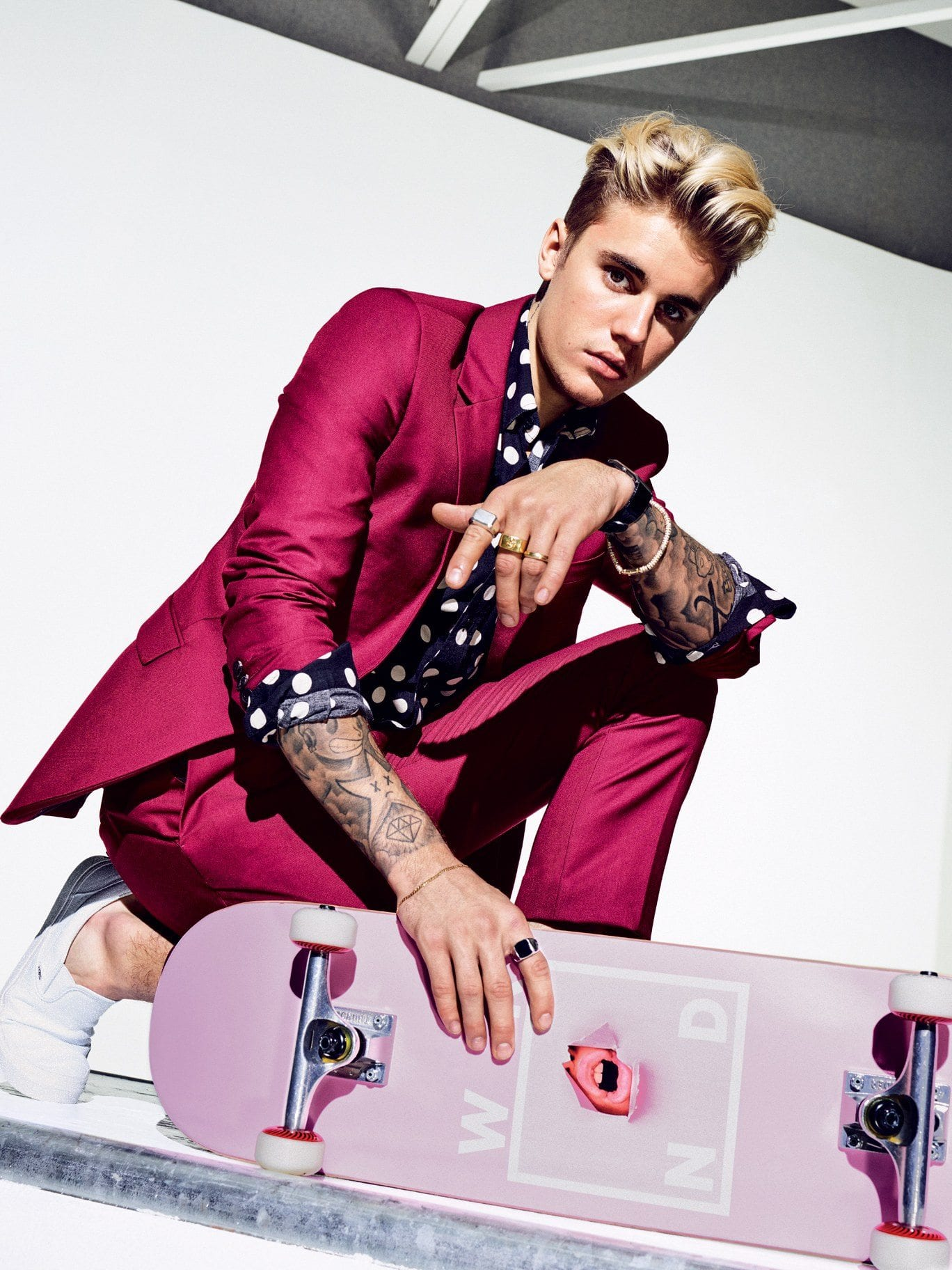 justin-beiber-pink-suit-for-young-boys 30 Amazing Men's Suits Combinations to Get Sharp Look