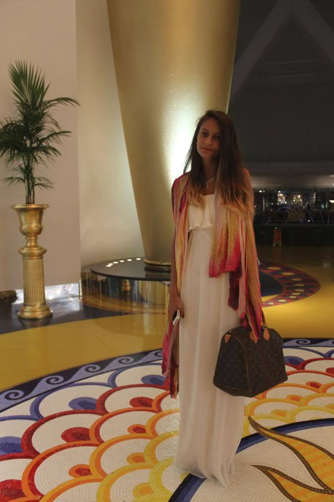 Women Fashion Blogger dubai