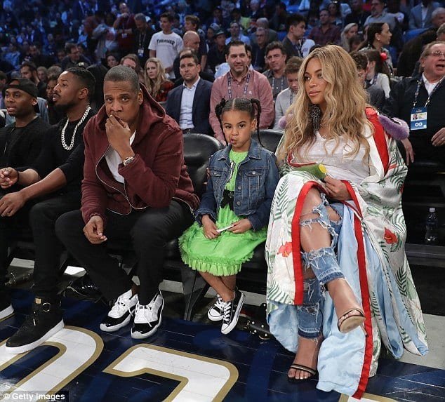beyonce-pregnancy-outfit Outfits for Pregnant Women-15 Best Maternity Outfit Ideas