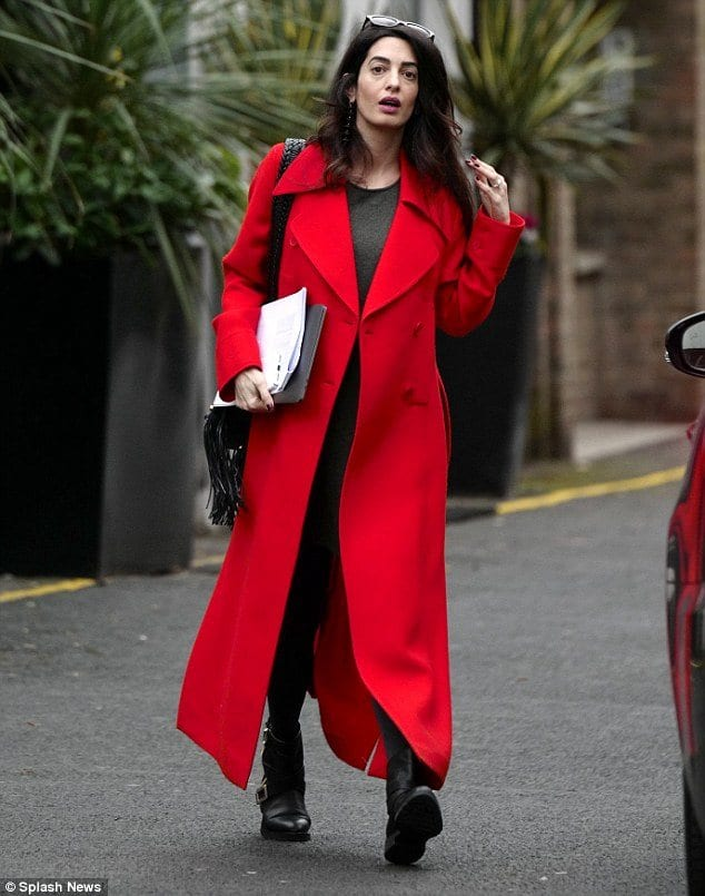 long-coat-outfit-for-pregnant-women Outfits for Pregnant Women-15 Best Maternity Outfit Ideas