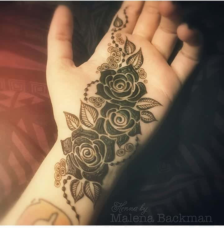 mehndi-design-with-roses 10 Amazing Mehndi Designs Ideas for this Season - Mehndi Art