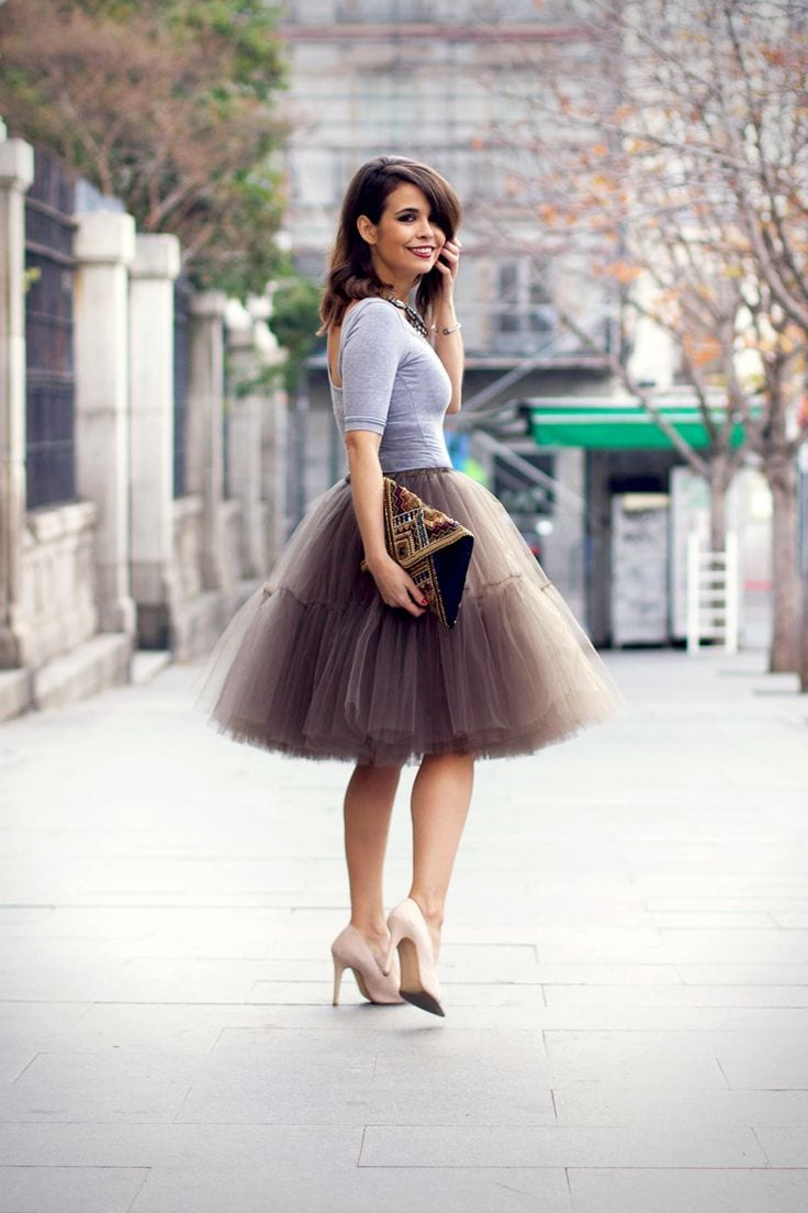 How to wear tulle skirt 15 cute outfits with tulle skirts for What color shirt goes with a purple skirt