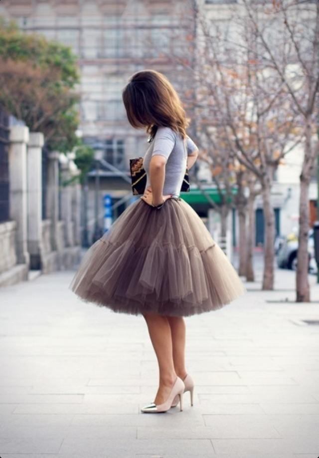 how to wear a tulle skirt to a wedding