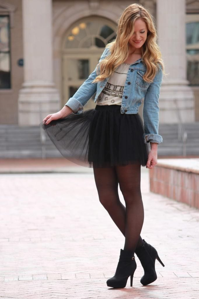 Tulle-Skirt-with-Denim-Top How to Wear Tulle Skirt?15 Cute Outfits with Tulle Skirts