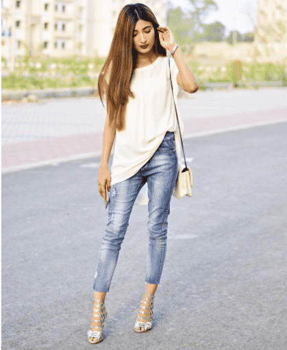 pakistani-girls-street-style-outfits 18 Chic Pakistan Street Style Fashion Ideas to Follow