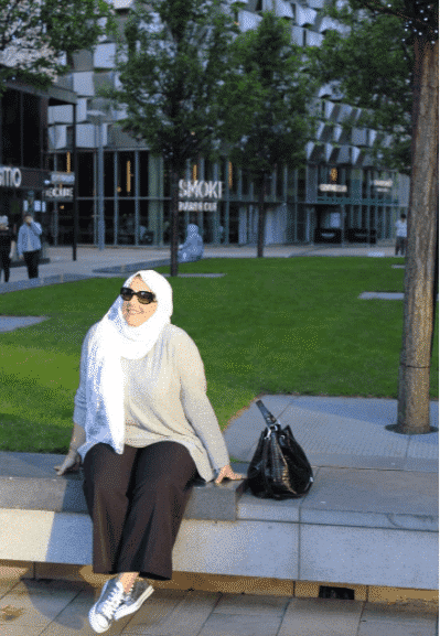 wear-wide-leg-and-flared-pants 18 Popular Hijab Fashion Ideas for Plus Size Women