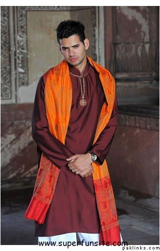 Groom Mehndi Outfit ideas