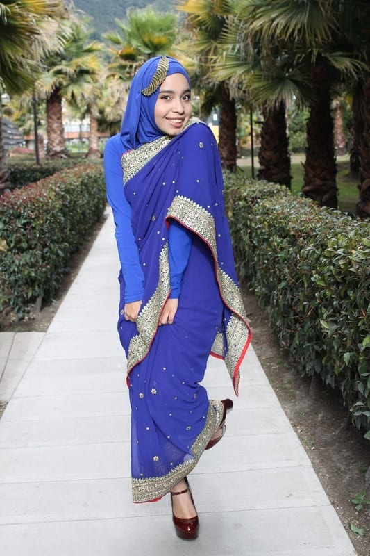 Hijab-Style-with-Saree 8 Best Saree Styles for Muslims-Stylish Hijab with Saree Ideas