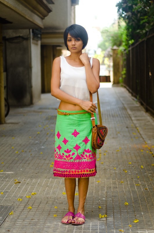 Indian-Girls-Chic-Fashion 15 Stylish Indian Street style Fashion Ideas for Women