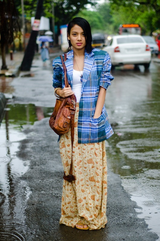 Indian-Girls-style 15 Stylish Indian Street style Fashion Ideas for Women