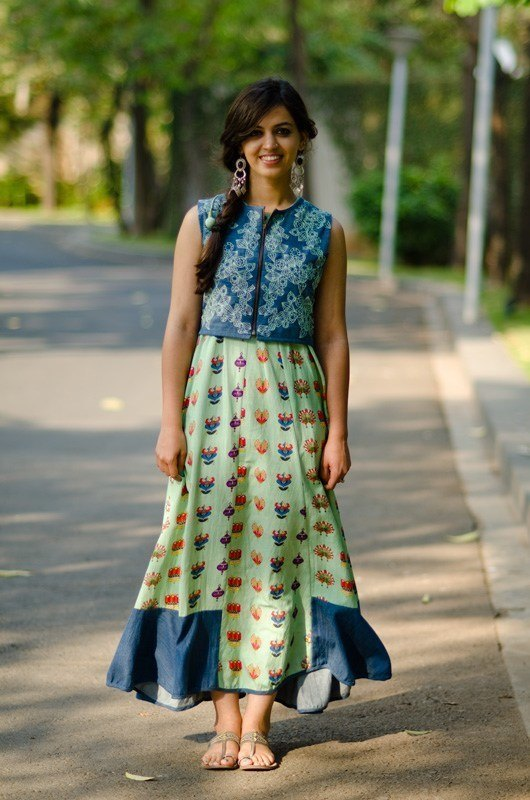 Indian-women-Street-fashion 15 Stylish Indian Street style Fashion Ideas for Women