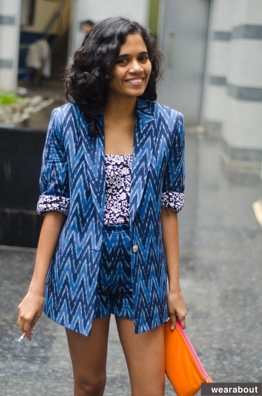 Indian-women-Street-style 15 Stylish Indian Street style Fashion Ideas for Women