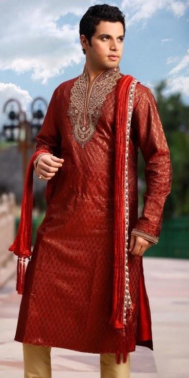 Mehndi-dresses-for-Groom-2015 12 Stylish Pakistani Groom Mehndi Dresses for This Season
