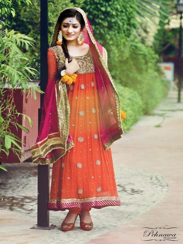 Pakistan-Mehndi-Dresses 15 Stylish Pakistani Mehndi Dresses Collection this Season