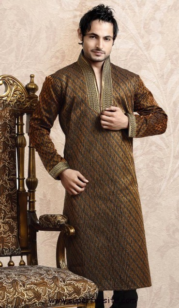 Mehndi Mens Clothes : Stylish pakistani groom mehndi dresses for this season